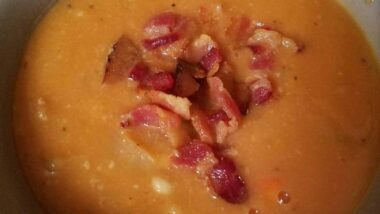 Delicious Bean and Bacon Soup In 19 minutes_5f78538a2a80d.jpeg