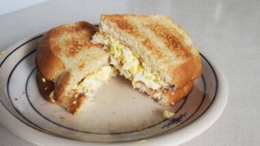 Delicious Egg Salad Sandwiches In 17 minutes_5f7854f281f8c.jpeg