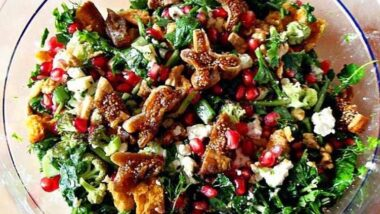 Easiest Way to Make Tasty Salad with arugula, pomergranate and honey_5f76f7e40d5cb.jpeg