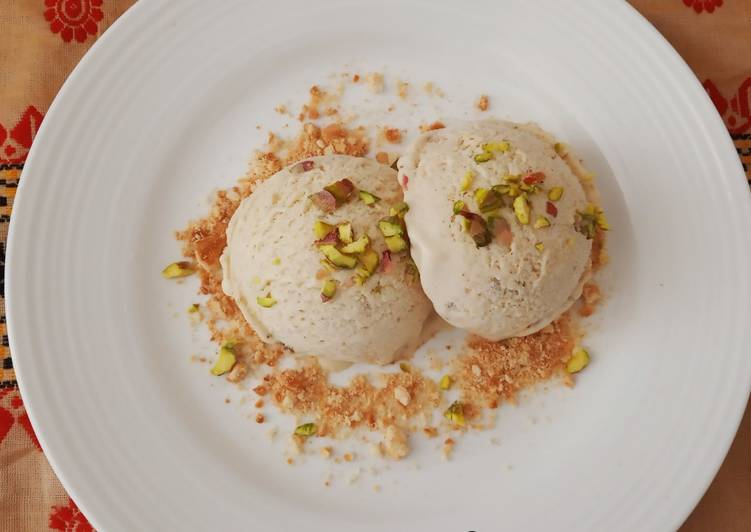 Easiest Way to Prepare Tasty No machine Fig and Cinnamon Ice-cream garnished with cookies_5f76f85e155a9.jpeg