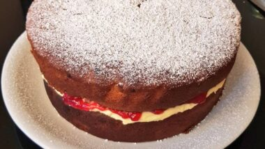 How to Cook Delicious Raspberry sponge cake_5f78549632ddc.jpeg