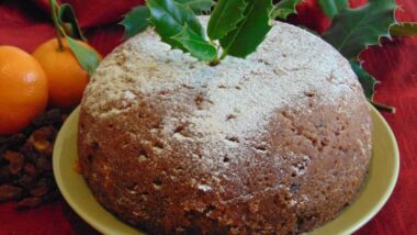 How to Make Yummy Christmas Figgy Pudding_5f76f75515f93.jpeg