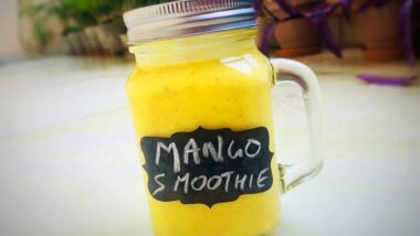 Recipe: Delicious Mango Muesli Smoothie_5f78522bdaf43.jpeg