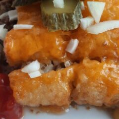 Tasty Bacon cheeseburger tater tot casserole In 18 minutes_5f75a3ca9760e.jpeg