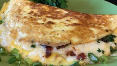 Tasty Omelette with Crispy Bacon, Vegetables and Mozzarella Cheese Recipe_5f76f83132e88.jpeg