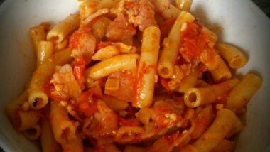 Yummy Roasted Tomato and Bacon Pasta In 20 minutes_5f7853cb2dd5c.jpeg